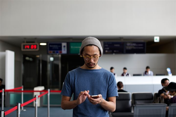 Five hacks to travel smart with your smartphone
